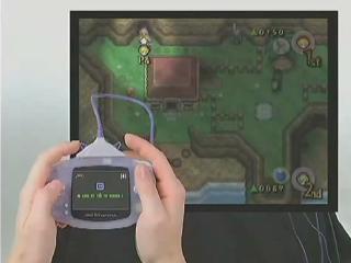 Gebruik de cable in <a href = https://www.mariocube.nl/GameCube_Spelinfo.php?Nintendo=The_Legend_of_Zelda_Four_Swords_Adventures target = _blank>Zelda Four Swords adventures</a> om met de <a href = https://www.mariogba.nl target = _blank>GBA</a> te spelen!