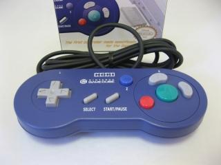De <a href = https://www.mariocube.nl/GameCube_Spelinfo.php?Nintendo=Game_Boy_Player target = _blank>Game Boy Player-controller</a> is geweldig voor klassieke games, maar ook compatibel met de <a href = https://www.mariowii.nl>Wii</a>.