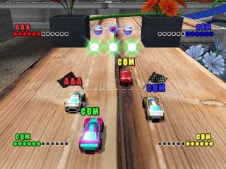 Race tegen (maximaal) 3 vrienden of tegen de computer.