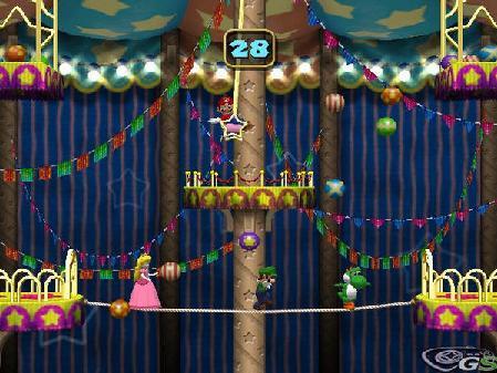 Mario probeert Peach, Luigi en Yoshi van het slappe koort te gooien. Nog 28 seconden! Volhouden jongens!