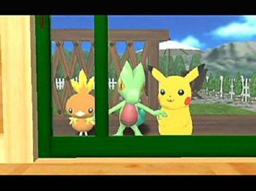 Pikachu neemt soms ongewenst gasten mee die dan een knuffel van je willen jatten.