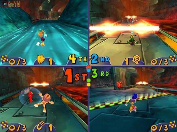 Race tegen 3 vrienden of vijanden in de multiplayer!