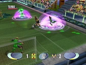 Deze game is voor niet-voetbalfans en voetbalfans. Na wat oefenen kunnen we hier nog-nooit-geziene-trucs uitvoeren.