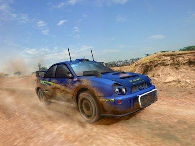 Een Subaru Impreza rijdend in het zand!